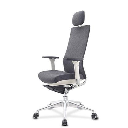 现在不买把好点的办公椅,以后就只能坐轮椅了